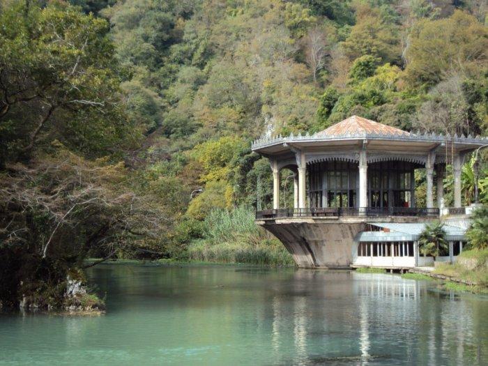 Гантиади или Цандрипш - курорт в Абхазии.